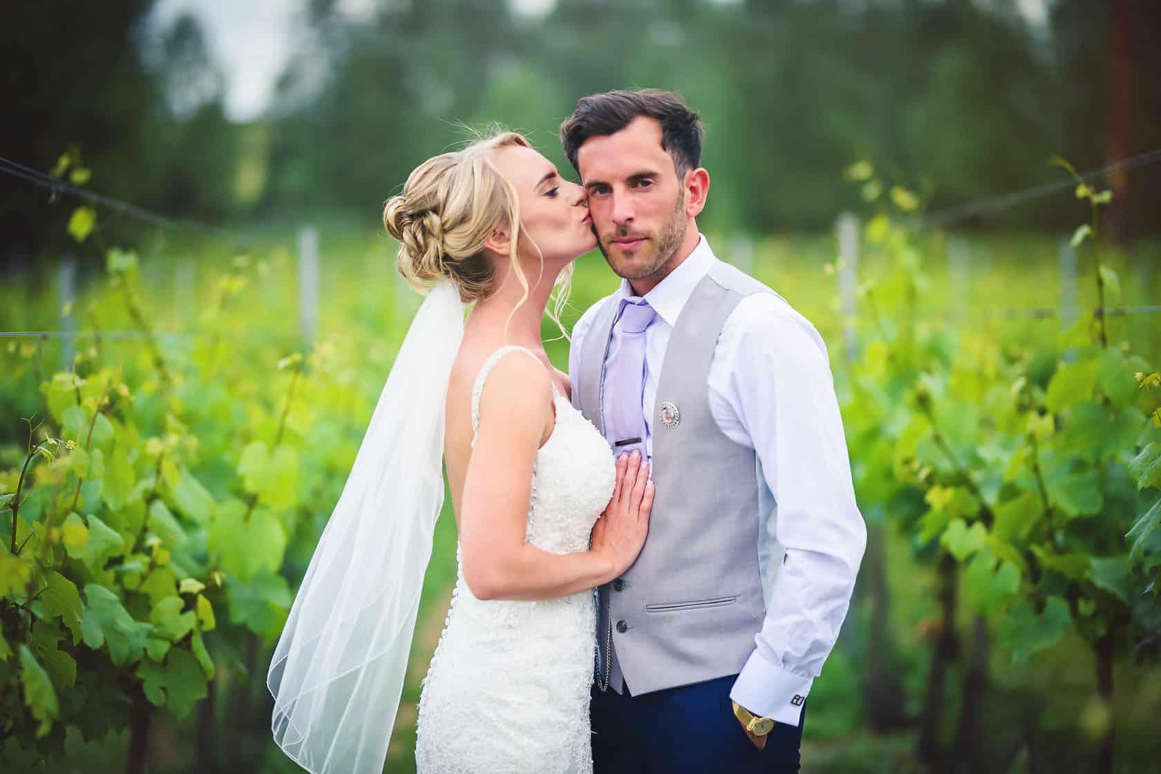 , West Street Vineyard Wedding : Hayley+Tom